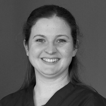 Shawna Animal Care Taker and Doctors Assistant - Parkway Vet Hospital